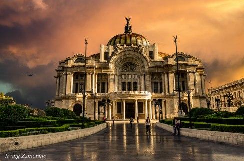 Bellas Artes al amanecer