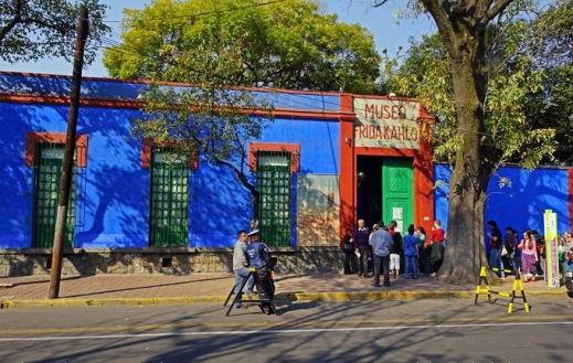 Frida-Kahlo-s-museum-Coyoacan