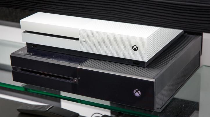 microsoft-xbox-one-s-comparison-to-old-xbox-7334-006